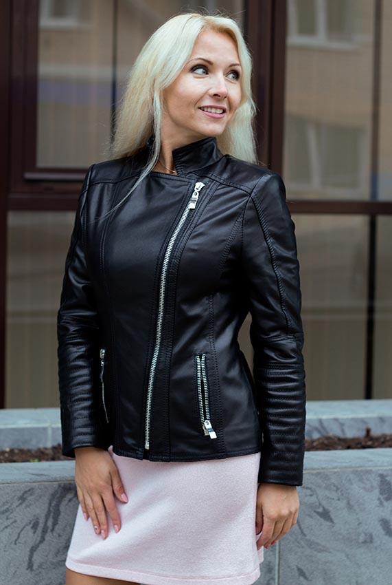40bae9776a12 Кожаные куртки  Женская кожаная куртка на молнии